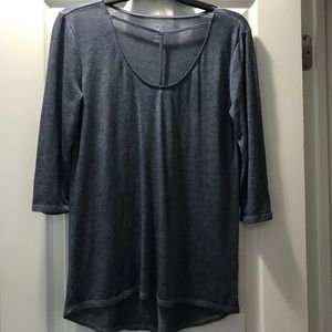 T-Neck quarter sleeve top